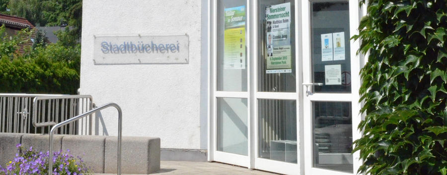 Bücherei_Eingang