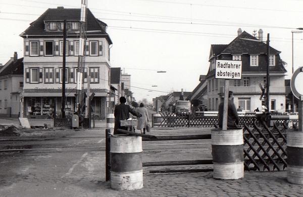 Sechziger_Bahnhof