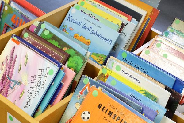 Bücherei Bücherwurm Juni 14